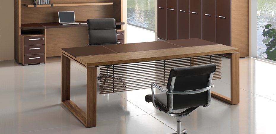 Executive Wooden Office Desk Arche By Bralco Italy