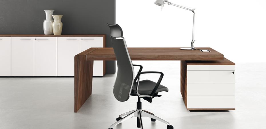 Capital executive modern desk by Office & Co.
