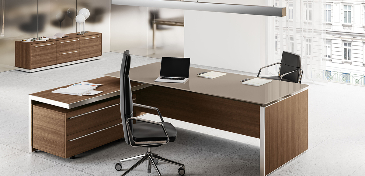 Office Furniture: Eos Italy Executive Desk By Las Mobili: Minimalist But