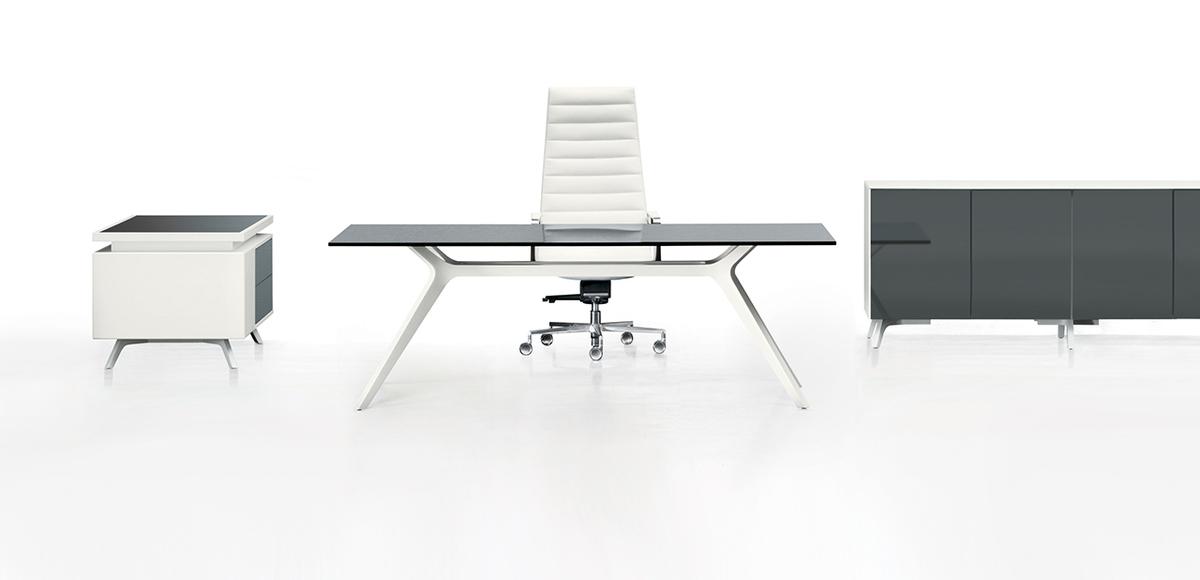 Office Desk In Gl Dr By Frezza
