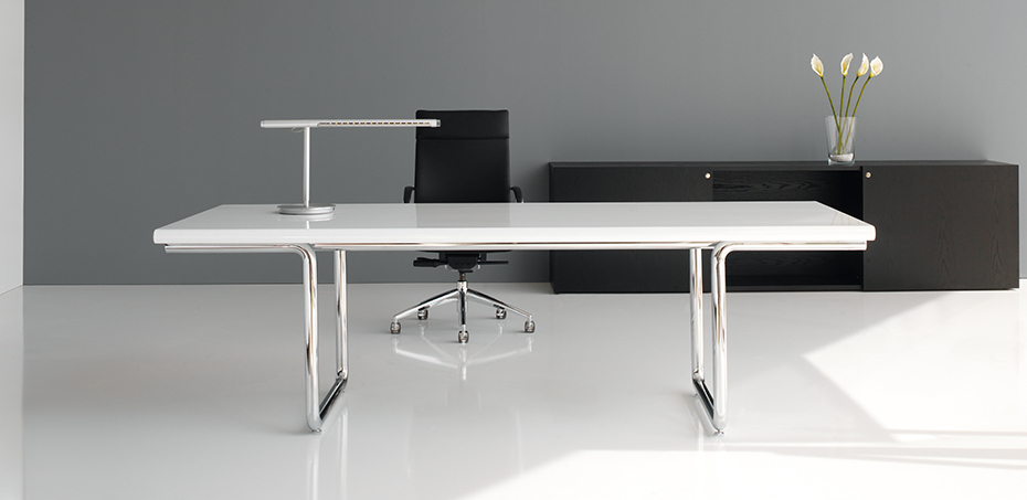 Lc executive italian desk by castelli design studio for Mondo office scrivanie