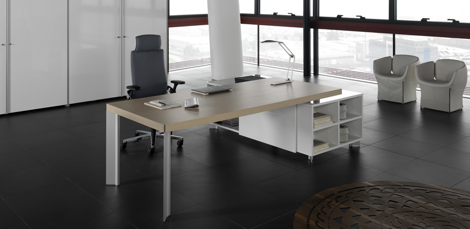 Executive Desk Tay by Della Valentina | OfficeFurnitureItaly