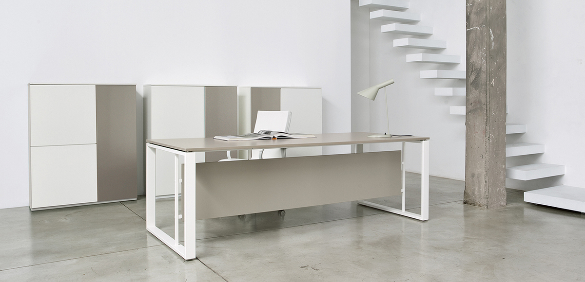 Modern desk Velvet by Frezza